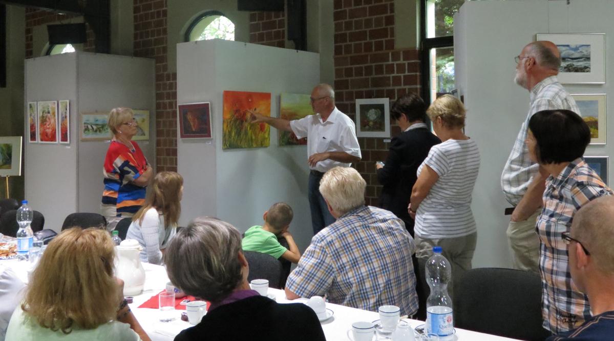 Interessierte Gäste beim Kunstkreis zum Kulturaktionstag