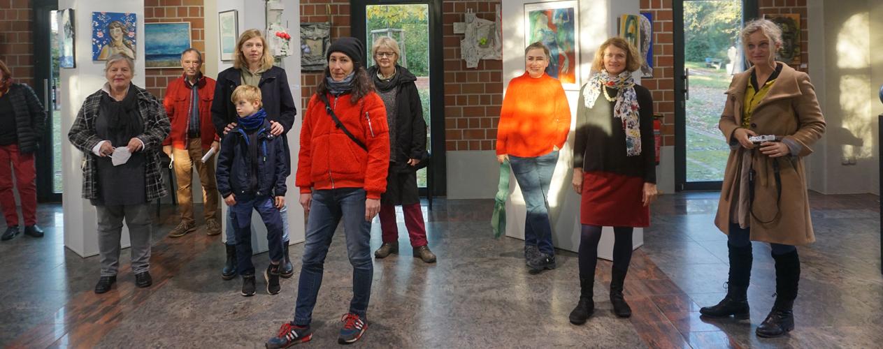 die Künstlerinnen vor der Eröffnung und dem Lockdown